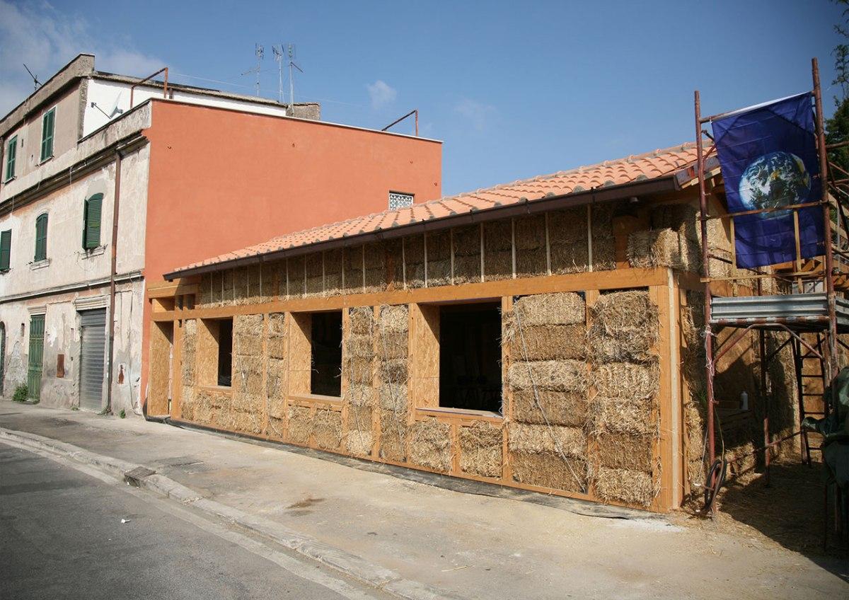 7 motivi per costruire una casa di paglia e poi andarci a - Costruire una casa in paglia ...
